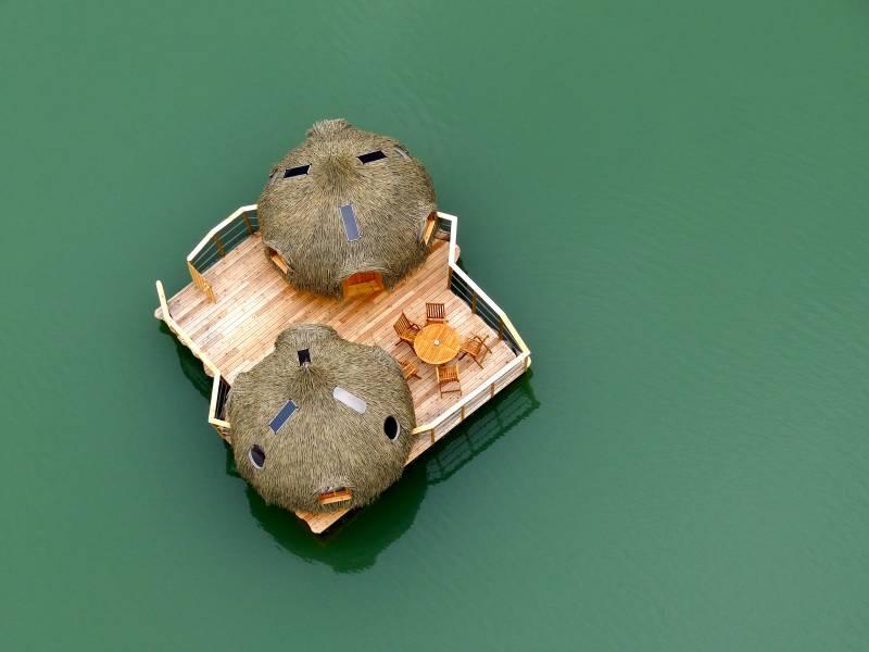 floating cabins france cabanes des grand lacs